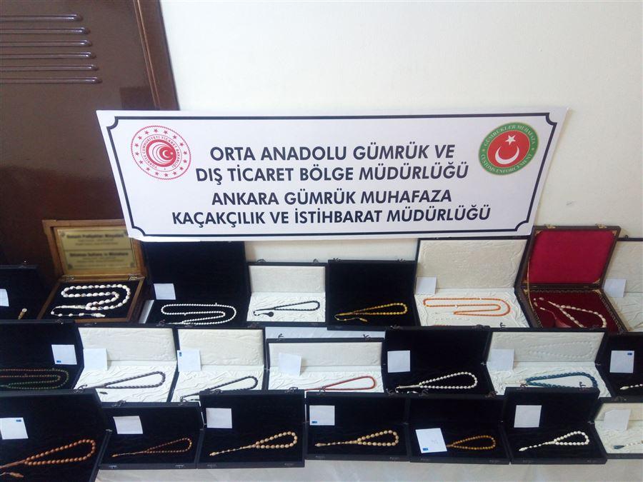 Gümrük Muhafaza Ekiplerince Ankara'da Mamut, Fil, Balina Dişi İle Gergedan Boynuzundan Yapılmış Çok Sayıda Tespih Yakalandı