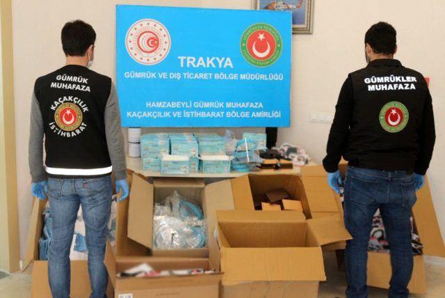 İzmir'de 15 Ton Etil Alkol, Edirne'de 5 Bin 230 Adet Maske ve Siperlik Ele Geçirildi