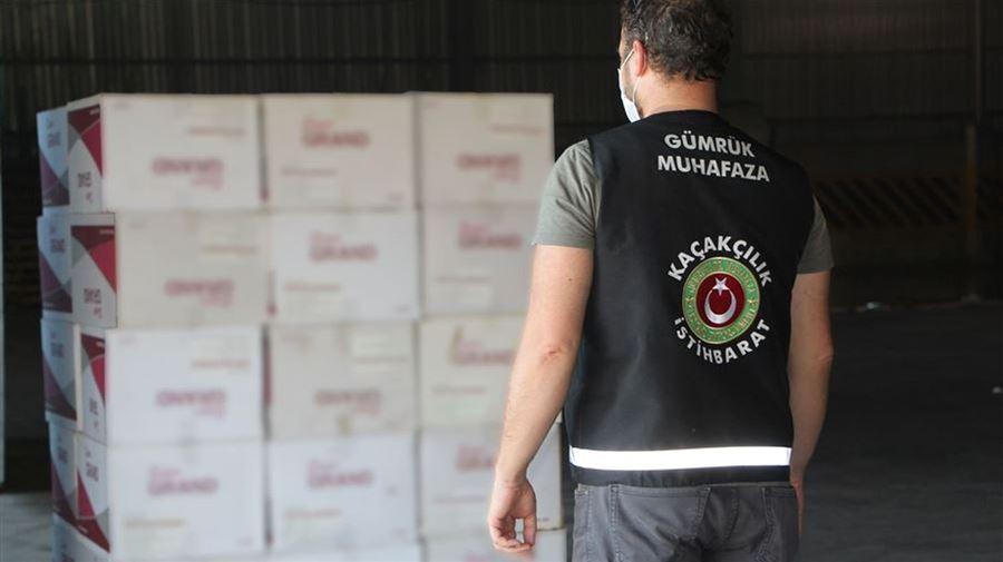 İzmir'de 37 Milyon 190 Bin Adet Kaçak Sigara Kağıdı Ele Geçirildi