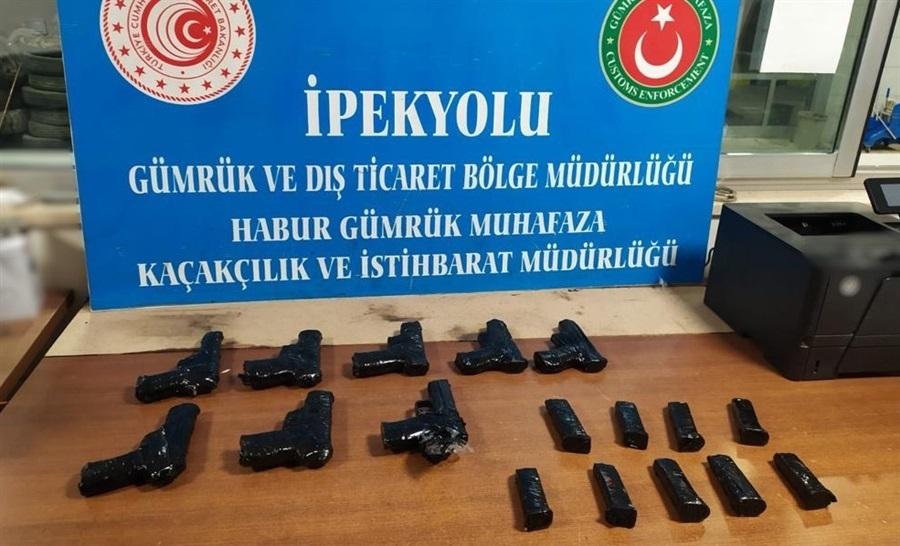 Gümrük Muhafaza Ekiplerince Habur'da Kaçak Yollarla Türkiye'ye Sokulmak İstenen Silahlara Geçit Verilmedi