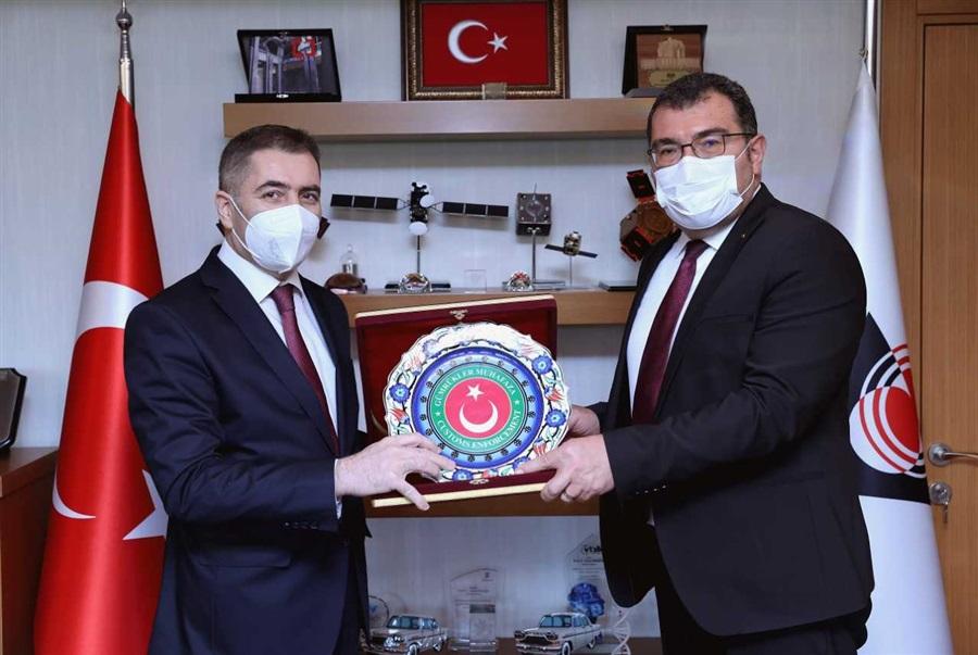 Gümrükler Muhafaza Genel Müdürümüz Sayın Murat YAMAN, TÜBİTAK Başkanı Sayın Hasan MANDAL'ı makamında ziyaret etti.